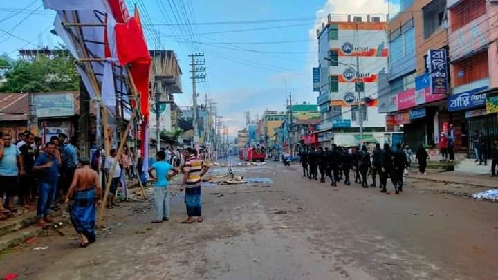 வங்கதேசத்தில் துர்கா பூஜை விழாவில் வன்முறை - 4 பேர் பலி